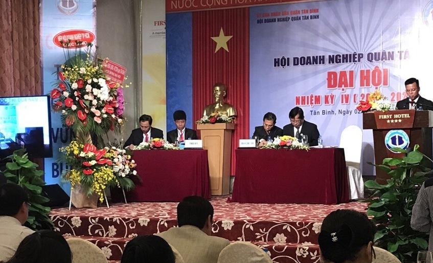 LS Đoàn Tiến Hưng - Phó chủ tịch Hội Doanh nghiệp Quận Tân Bình, phát biểu tại Đại hội