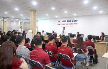 Sinh viên chuyên ngành luật kiến tập tại Manh Hung Group