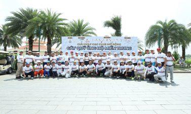 Câu lạc bộ Golf Doanh nhân G&G gây quỹ ủng hộ đồng bào miền Trung